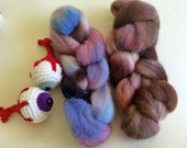 Hand Dyed Cheviot for Spinning or Felting 2.2 Ounces, 62.4 Grams - Monster Spawn Roving