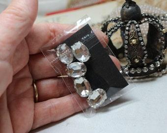 Sparkly large crystal rhinestones super pretty decoration sew on glue on