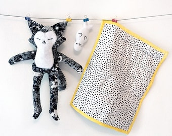 Patchwork Rag Doll Cat with velvet quilt and little seal toy