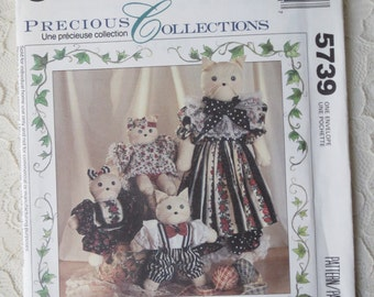 McCall's Crafts 5739 Sewing Pattern Cat Family Dolls & Clothes Precious Collection OOP 1992