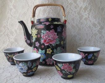 Vintage Black Asian Porcelain Teapot & 4 Cups Matching Set Famille Noire with Yellow Pink Blue Flowers
