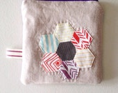 Quilted linen zipper pouch: low volume hexie flower