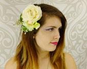 White Rose Bridal Hair Clip, Bridal Headpiece, Boho Hair Clip, White Flower Fascinator, Woodland Wedding, Rustic Wedding, Bridal Headpiece