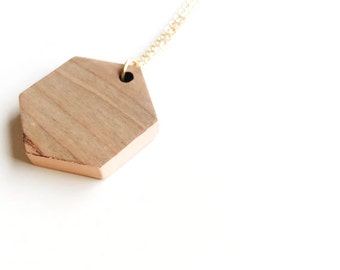 Painted wood necklace geometric style