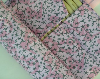 double pointed knitting needle case - organizer  - crochet hook - organizer - 14 pockets - fun print in pinks and gray