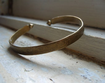 FREE SHIPPING Vintage Brass Floral Cuff Bracelet