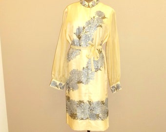 Organza dress Alfred Shaheen Chrysanthemum Print , Front button down ,size Large