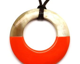 Horn & Lacquer Pendant - Q5706-O