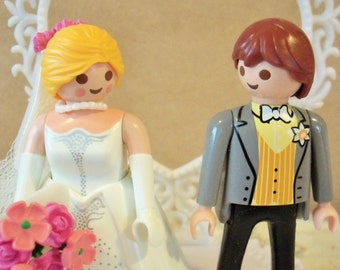 Sale / Playmobil / Bride and Groom Wedding Cake Topper / Handmade from Vintage and New Craft Supplies / Heart Backdrop