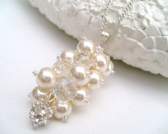 Ivory Pearl and Rhinestone Bridal Cluster Necklace, Gift for Bridesmaids, Ivory Wedding, Pearls and Crystals, Bridal Jewelry, Pearl Necklace