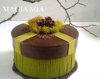 Reindeer Moss Trinket Gift Box, Paper Mache Jewelry Box, Chocolate Brown German Glass Glitter, Green Crepe Paper Tamarack Cones Seam Binding