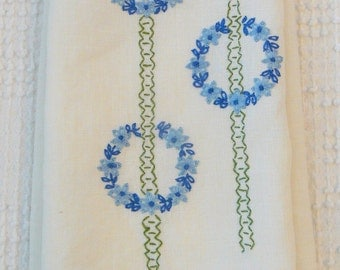 Vintage Embroidered Linen Fingertip Towel with Rings of Blue Flowers - so fresh and pretty