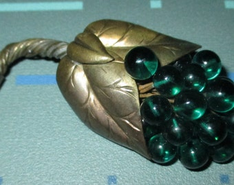 Vintage 30s Coro Green Glass Grape Cluster Pin