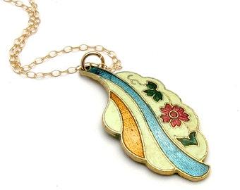 Floating flower necklace