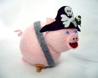 Pirate pig pin cushion, Cute pink piggy, Stuffed pig, Pig decoration, Cute felt pig collectable, Pig lover gift, Gift for sewer, MTO