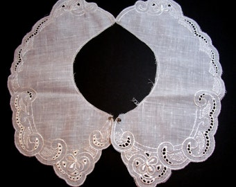 Lace Collar, White Embroidered Applique Collar, Set of 2 Pieces