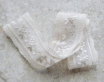 Lace Hairband, Lace Headband, Ivory Vintage Lace Hairband,Grape Cluster Embroidery Vintage Trim