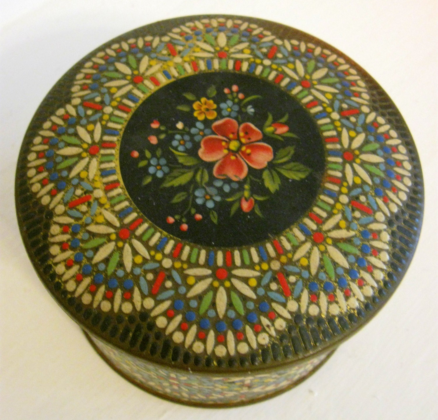 vintage mosaic cookie tin made in holland. Black Bedroom Furniture Sets. Home Design Ideas