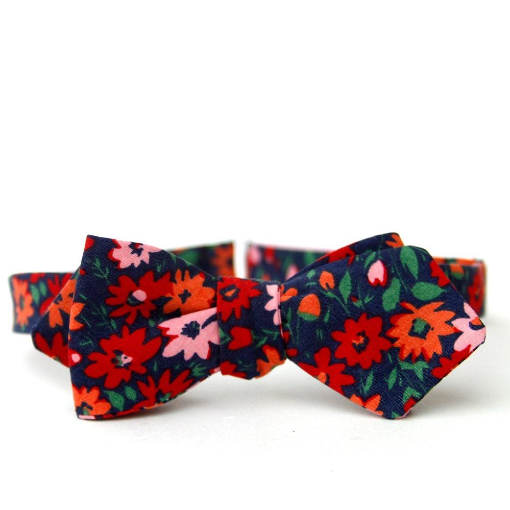Black Flower Bow With Diamond: Navy Floral Freestyle Bow Tie // Diamond Point Bow Tie