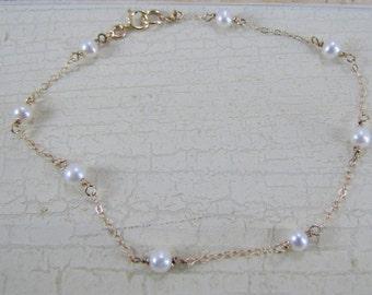 Pearl Bracelet, White round Freshwater Pearl Bracelet, 14K Gold Filled, Pearl Station Bracelet, Bridesmaids Bracelets, Flower Girl Bracelet