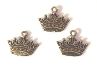 10 Classic Crown Charms - Antique Bronze - BC1#GE