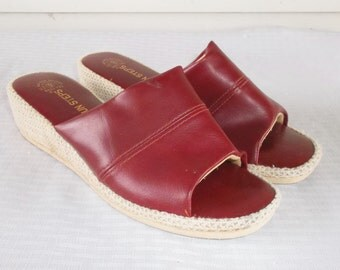 Clearance 1970s Vintage Slipper Shoes Wedgie Mules Burgundy Red Size 9