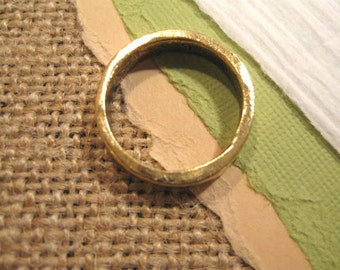 Hammered Stacking Ring in Antique Gold from Nunn Design in Size 7
