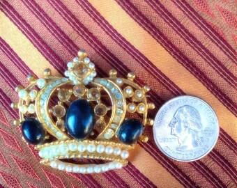 Goldtone Royal Crown Brooch.