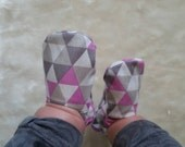 Reversible Baby Shoes, Triangles in Orchid