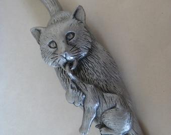 Cat Kitten Brooch Vintage Pin JJ Pewter Dangle