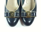RESERVED Vintage Salvatore Ferragamo Shoes / Navy Leather Pumps with Bow / size 7 7.5