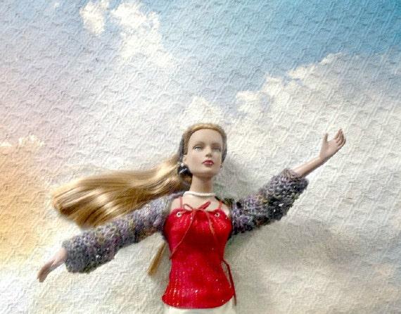 SALE 50 off/ Doll Shrug / lacy Boho Chic  / for 16 inch / Tonner Tyler Sydney Gene Ellowyne  BJD MSD Art Doll clothes