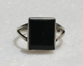 Vintage Black Onyx and Sterling Silver Ring Sz. 6.5