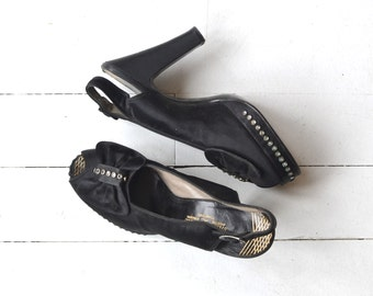 New Starlet platforms | vintage 1940s shoes • black peeptoe 40s heels 6.5