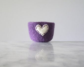 felted wool bowl  -  dark lavender wool with off white eco felt heart - ring holder, anniversary gift - ring bowl - romantic
