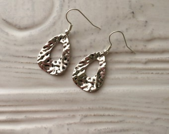 silver hammered drop earrings - E0001