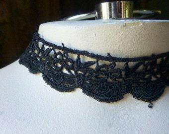 SALE 2 yds. Black Lace Trim Venise Lace for Garments, Jewelry or Costume Design  L 61