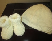 Adorable Knit Soft Cream Baby Set Hat And Booties From 3-6Months