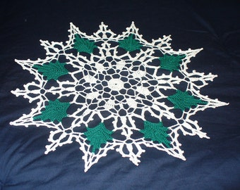 Green Leaf Doily from vintage pattern - ready to ship - crochet