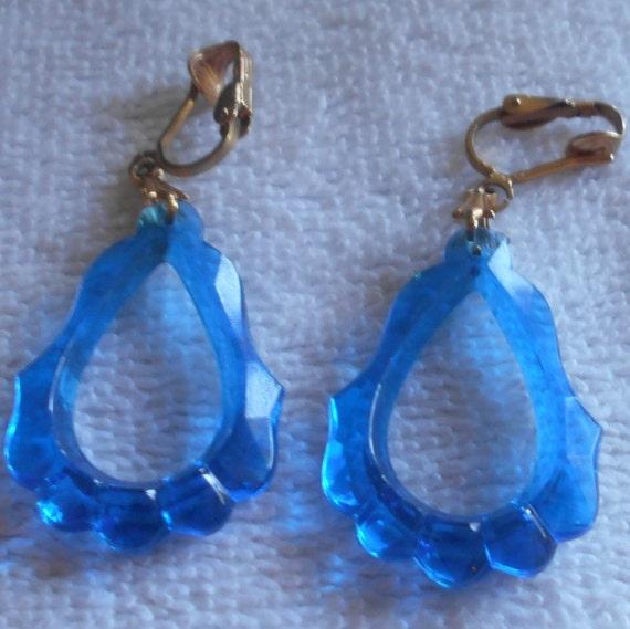 Vintage Blue Plastic Dangle Earrings. Boyac� Emerald. Corundum Emerald. 10 Carat Emerald. Baguette Emerald. 2.16 Cts Emerald. Green Tourmaline Emerald. Gem Emerald Emerald. Briolette Cut Emerald