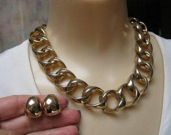 Vintage bold goldtone link necklace clip earrings, big link statement necklace set, twisted bold link collar necklace clip earrings