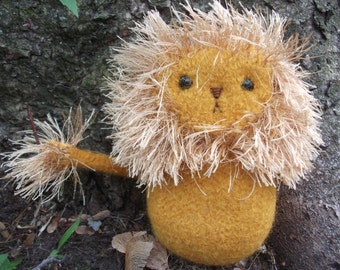 Lion plush toy, hand knit and felted toy lion, stuffed animal lion, lion doll, soft toy lion, amigurumi lion toy, made to order