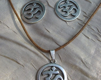 om earring and necklace set