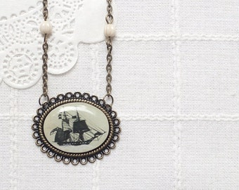Vintage Ship necklace - nautical jewelry - pirate ship necklace - Retro necklace - vintage necklace - ship pendant - boat necklace (N038)