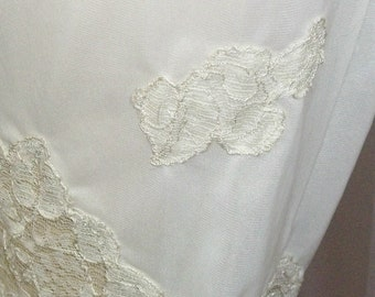 Vintage Van Raalte Myth White Nylon Floral Long Tap Pants Pettipants Petti Panties Medium