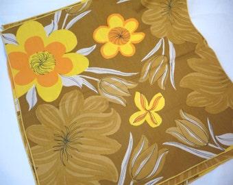 Vintage Napkins, flowered Napkins, three Napkins, large napkins, orange brown napkins, unique Napkins,cotton Napkins, bright colors, linens