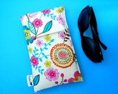 Roomy Sunglasses Case in a Design of Flowers
