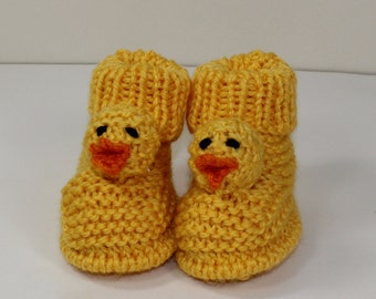 Instant Digital File pdf download knitting pattern - Toddler Chick Boots knitting pattern