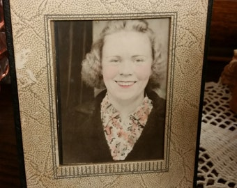 """SALE - Vintage 1938 """"Love Phyllis"""" Tinted Picture In Cardboard Art Deco Frame from Rustysecrets"""