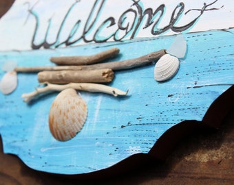 Beach House Welcome sign , Hand Painted coastal Decoration with Natural Driftwood